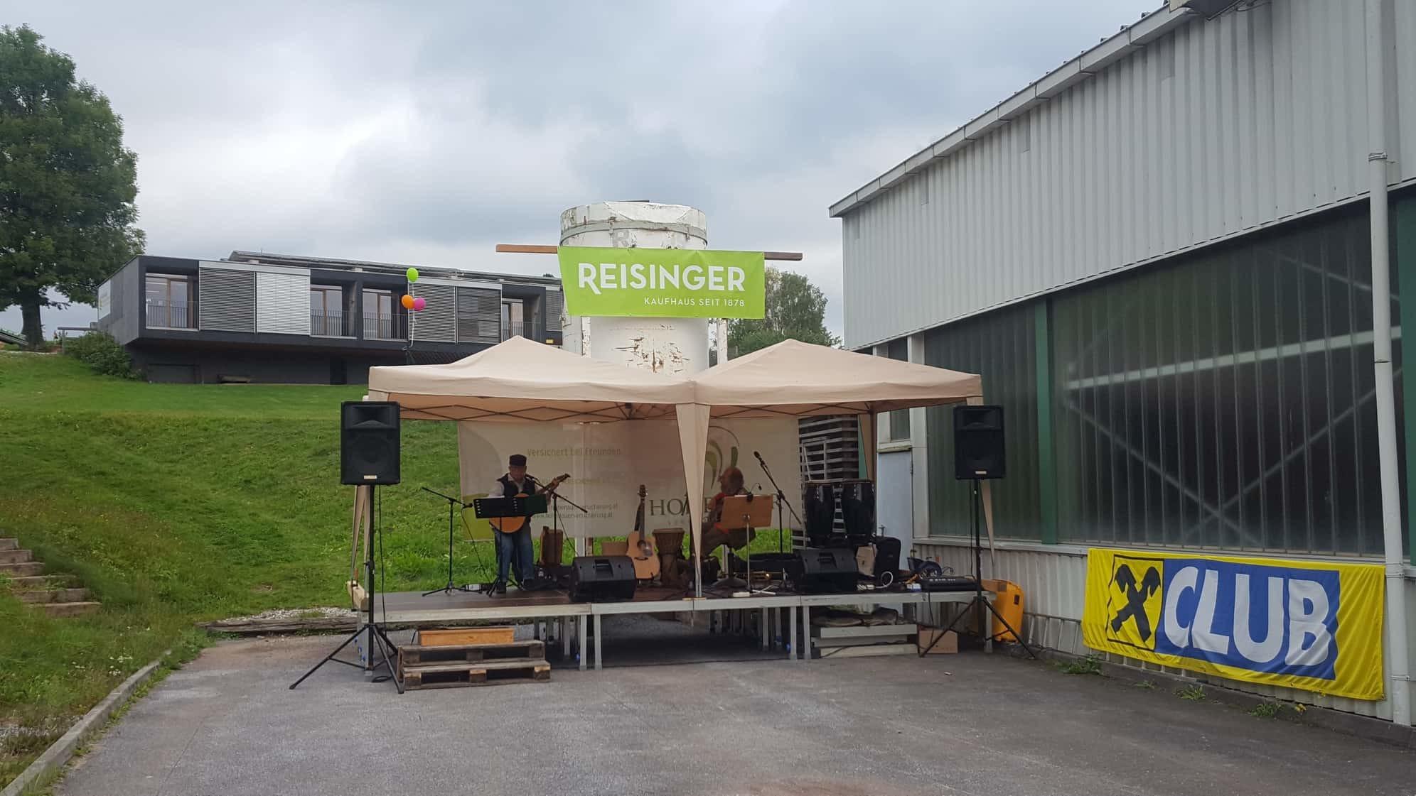 Gemeinsame Musik & Kunst als Zeichen für Gemeinschaftssinn, Nächstenliebe und Nachbarschaft